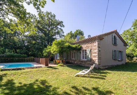 Villa in Saint-Denis, the South of France