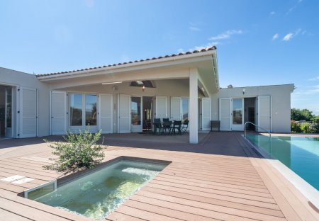 Villa in Oupia, the South of France