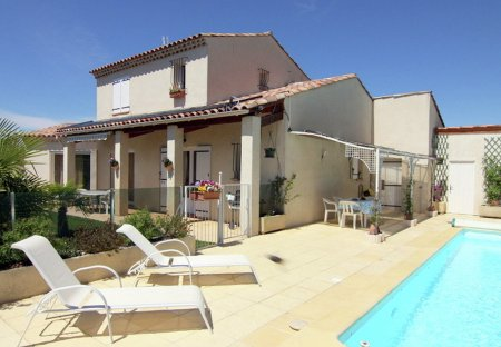 Villa in Oraison, the South of France
