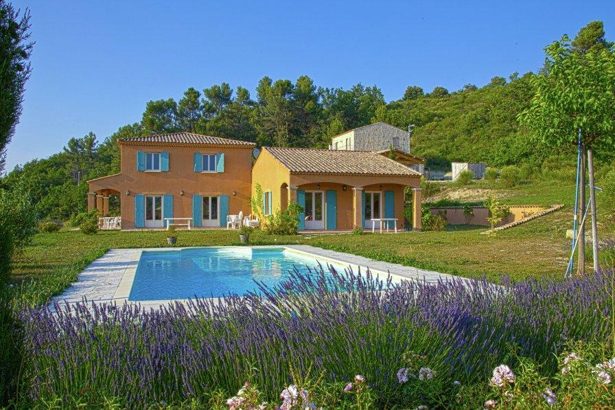 Owners abroad La Combette totale