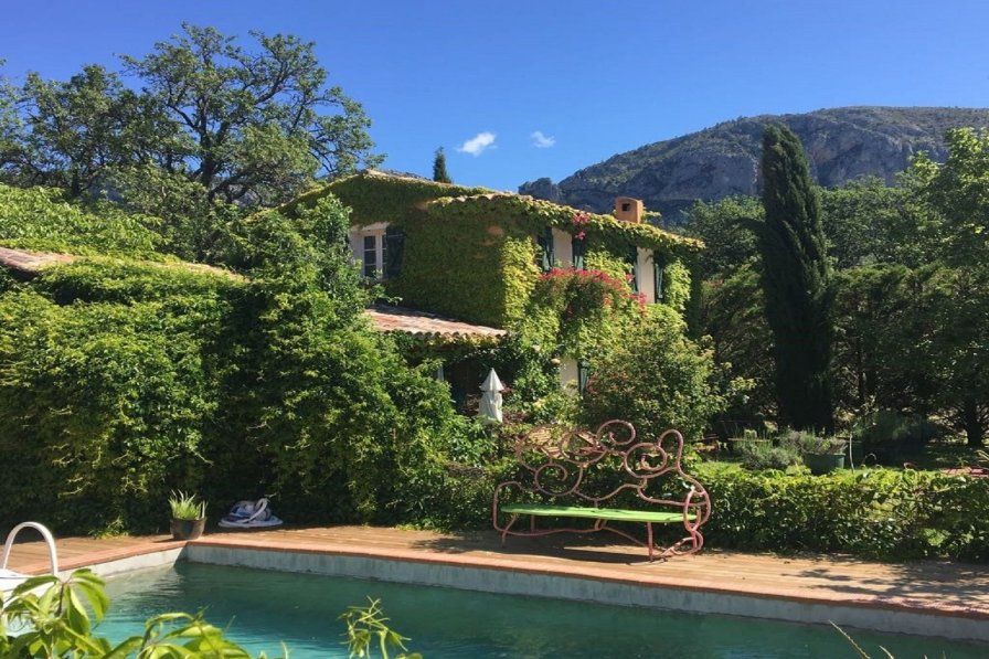 Owners abroad Moustiers Sainte Marie