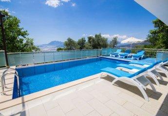 4 bedroom Villa for rent in Uzumlu