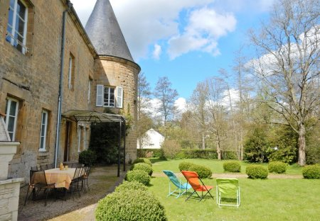 Villa in Clavy-Warby, France