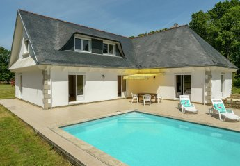 5 bedroom Villa for rent in Concarneau