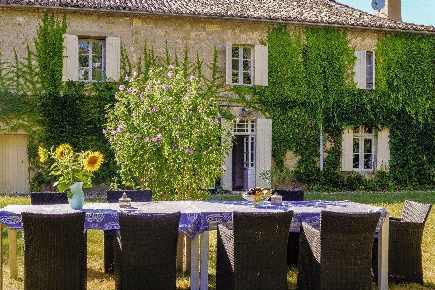 Owners abroad La Dame à l'Hermine entre le Dordogne et Lot et Garonne