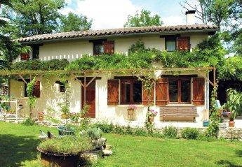 4 bedroom Villa for rent in Parisot