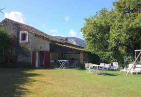 Cottage in Oppède, the South of France