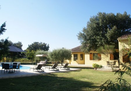 Villa in Sorgues, the South of France