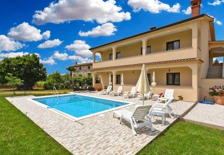 Villa in Dvori, Croatia