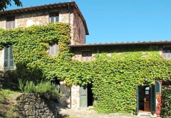 4 bedroom Villa for rent in Pescia