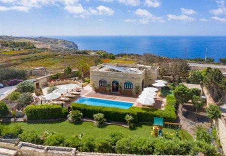 Villa in In-Nigret, Malta