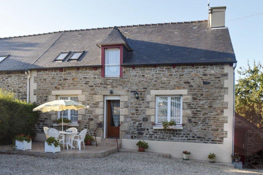 Villa rental in Plouguenast, France