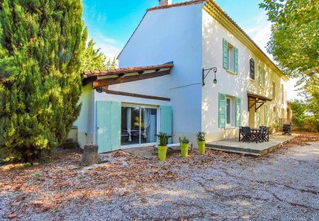 Apartment in Bédarrides, the South of France