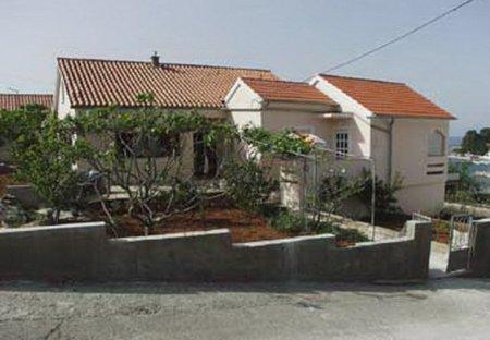 Apartment in Lukoran, Croatia
