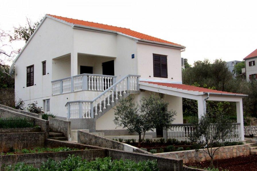 House in Croatia, Sali