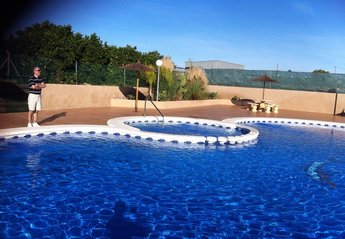 House in Spain, Urb el Raso: Large Pool