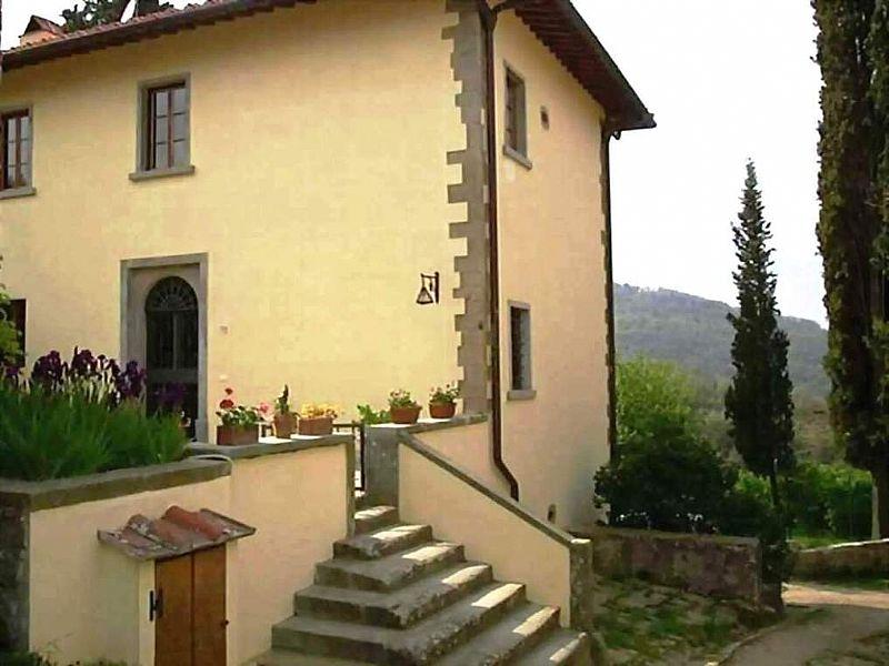 Apartment in Italy, Florentine Hills: The Raw Stone Villa