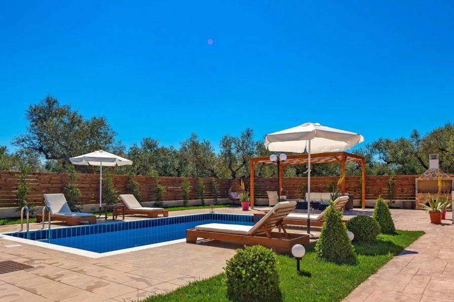 Villa in Greece, Agrilia