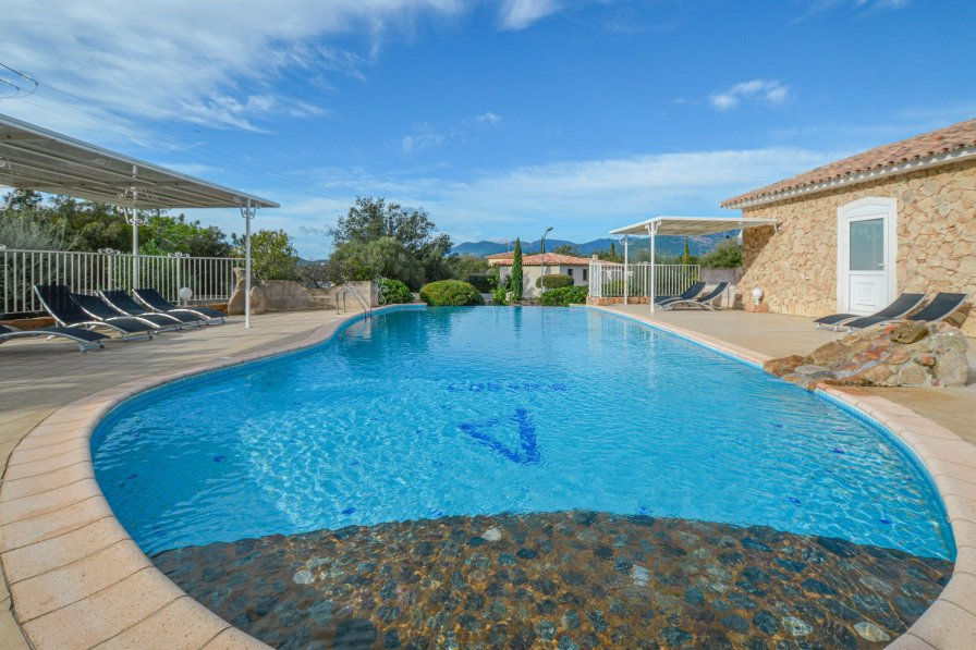Owners abroad Holiday villa in Zonza, Corsica