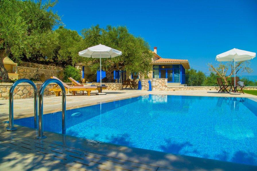 Villa in Greece, Kaminia