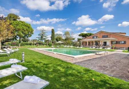 Villa in Anguillara Sabazia, Italy