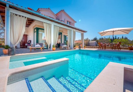 Villa in Grohote, Croatia
