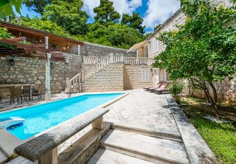 4 bedroom Villa for rent in Mokosica
