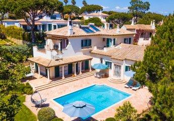 4 bedroom Villa for rent in Almancil