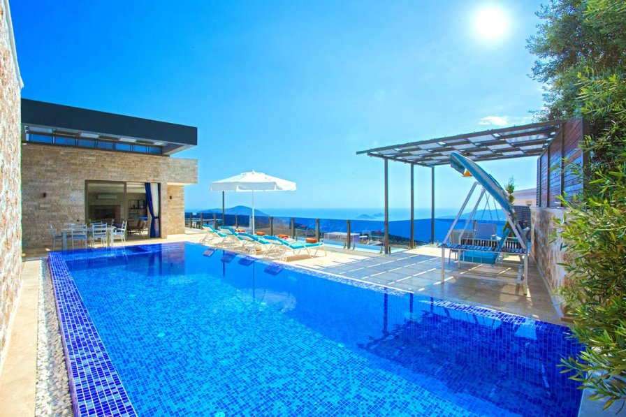 Owners abroad Modern Luxury 3 bedroom Villa, Many extras plus Amazing Views