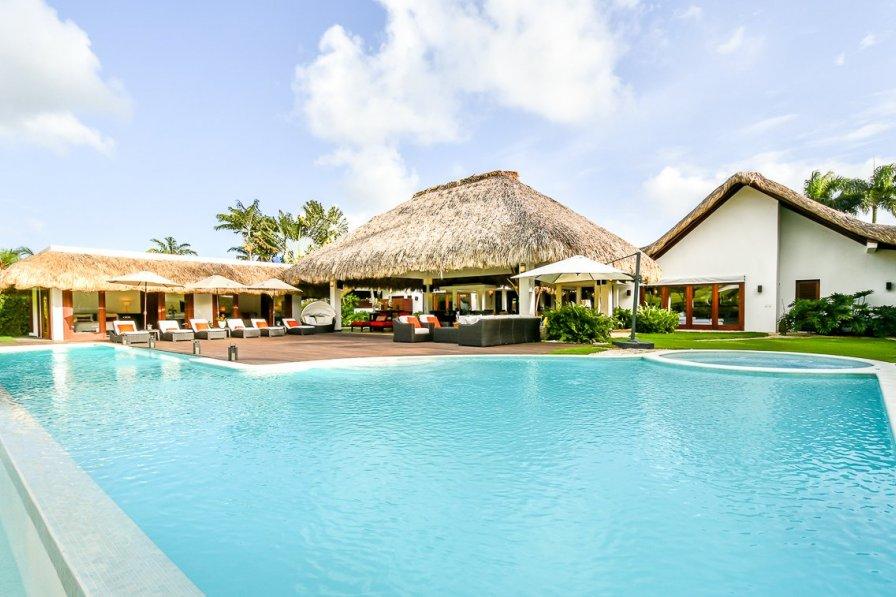 Owners abroad Villa Balenciaga