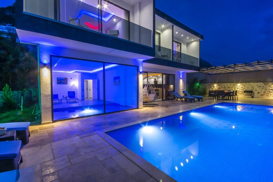 Owners abroad 3 Bedroom Villa with Totally Private Infinity Pool + Indoor Pool