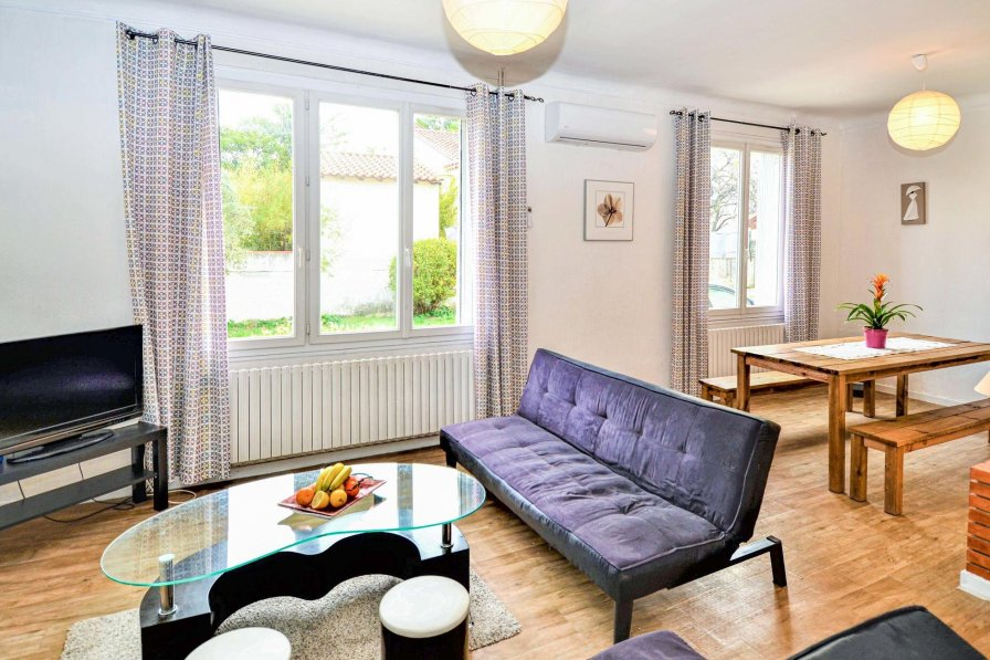 Owners abroad Saint-Saturnin-lès-Avignon villa to rent