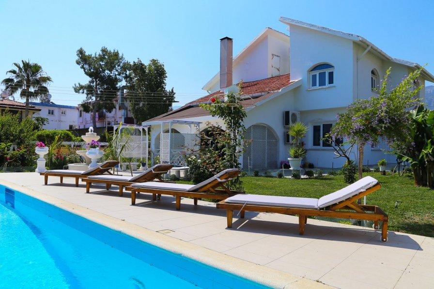 Owners abroad Villa Serahi