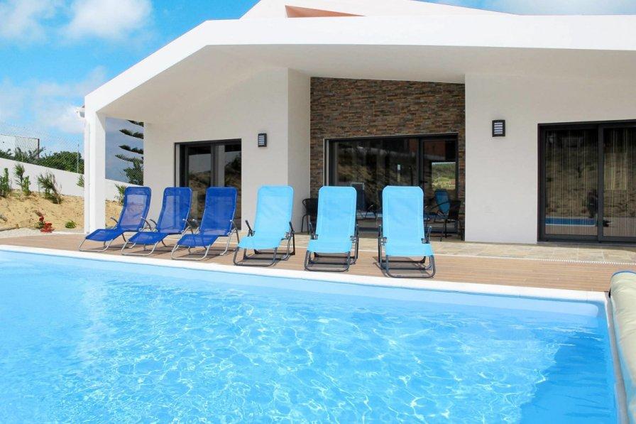 Owners abroad Casa Pinheiros