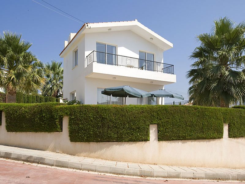 Villa in Cyprus, Coral Bay: The Villa