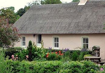 Cottage in Ireland, West Waterford: the half door