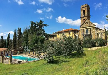 8 bedroom Villa for rent in Civitella in Val di Chiana