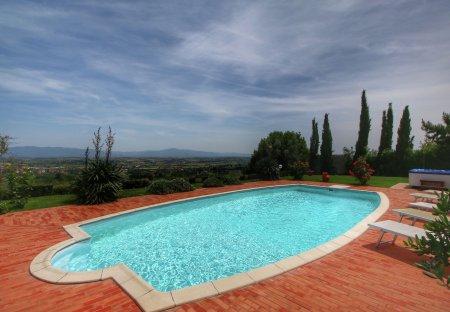 Villa in Torricella AR, Italy