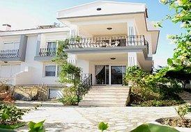 Ciftlik Villa, CESME