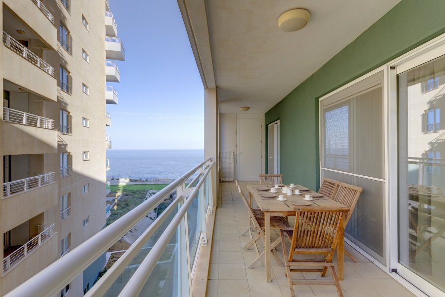 Owners abroad Luxury Apt w/ Side Seaviews and Pool, Top Location