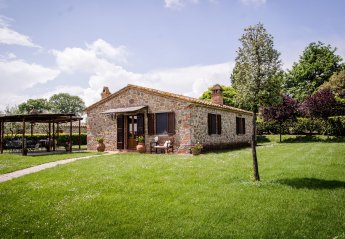 3 bedroom Cottage for rent in Cortona