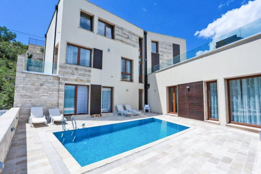 Owners abroad Villa Markisa