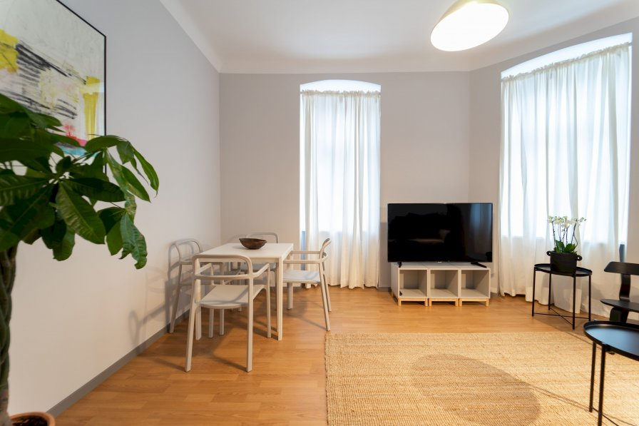 Owners abroad Modern and Bright Apartment - CLOSE TO CITY CENTRE