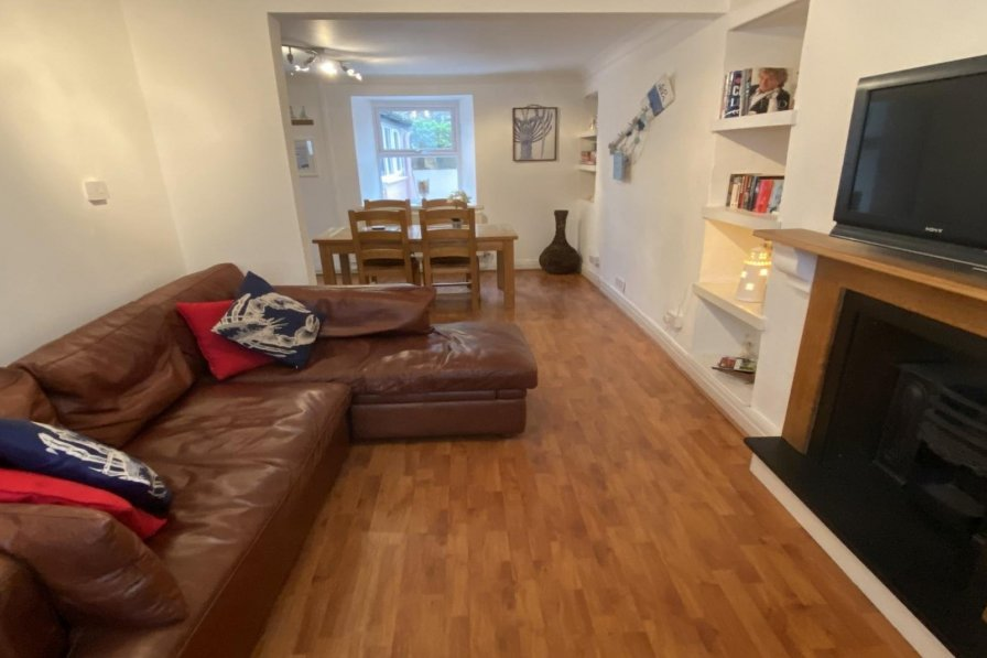Owners abroad Shell Cottage - 2 Bedroom Holiday Home - Tenby