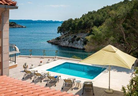 Villa in Milna, Croatia