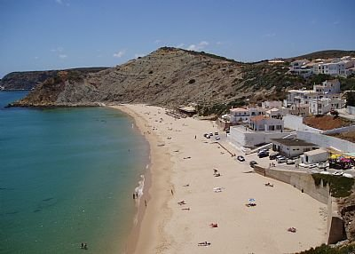 Owners abroad Luxury 4 Bed/3 Bath Burgau Beach Villa- Own Pool and games Room