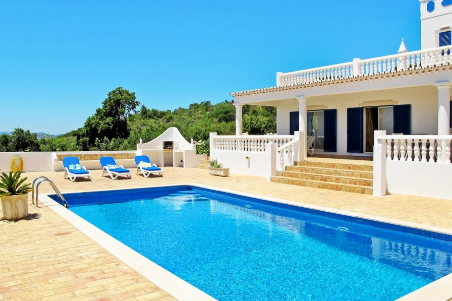 Owners abroad Villa Lenicao