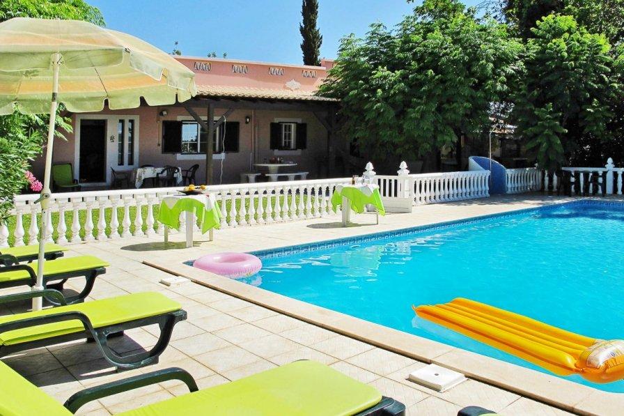 Owners abroad Villa Quinhos