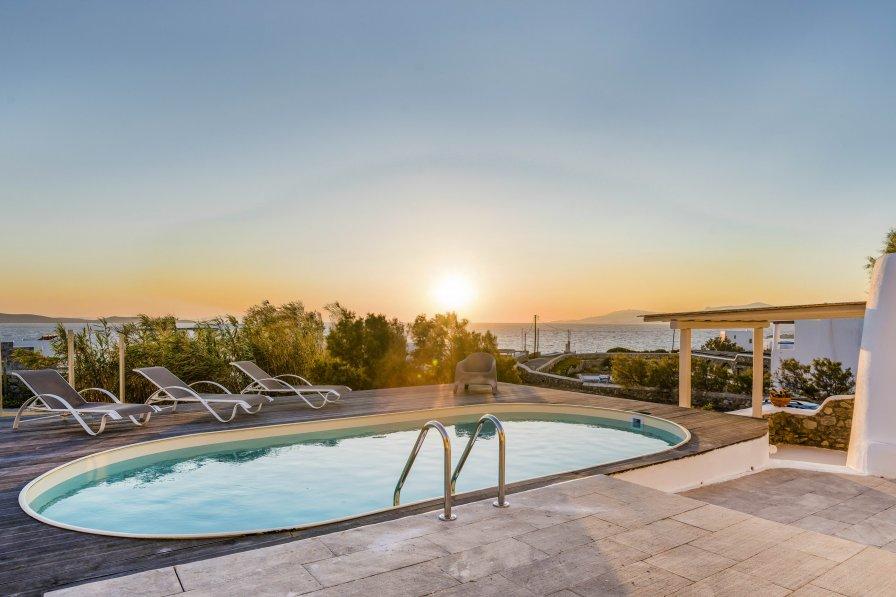 Villa in Greece, Ornos