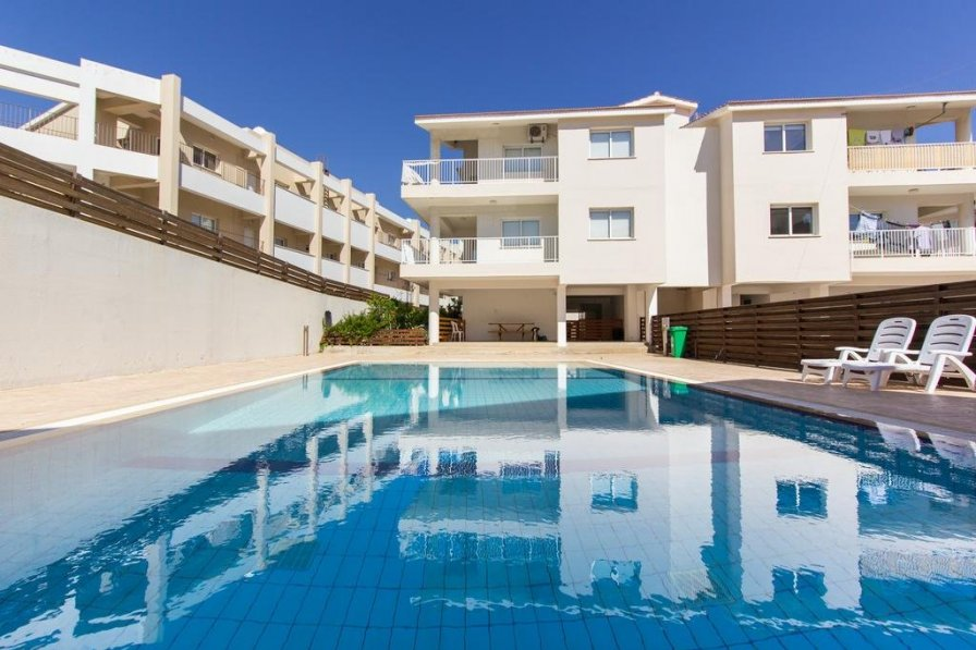 Owners abroad Modern 1 Bedroom Apartment With Shared Pool - D21